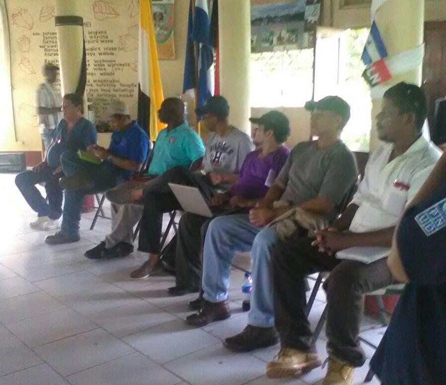 Asamblea comunitaria en Orinoco 5 de Julio